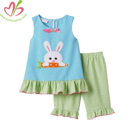 Bunny Seersucker Girls Capris Set