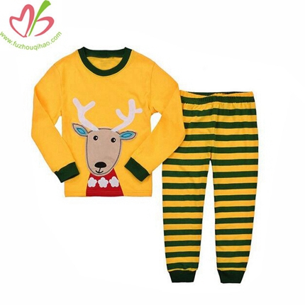 Applique Baby's Pajamas Set